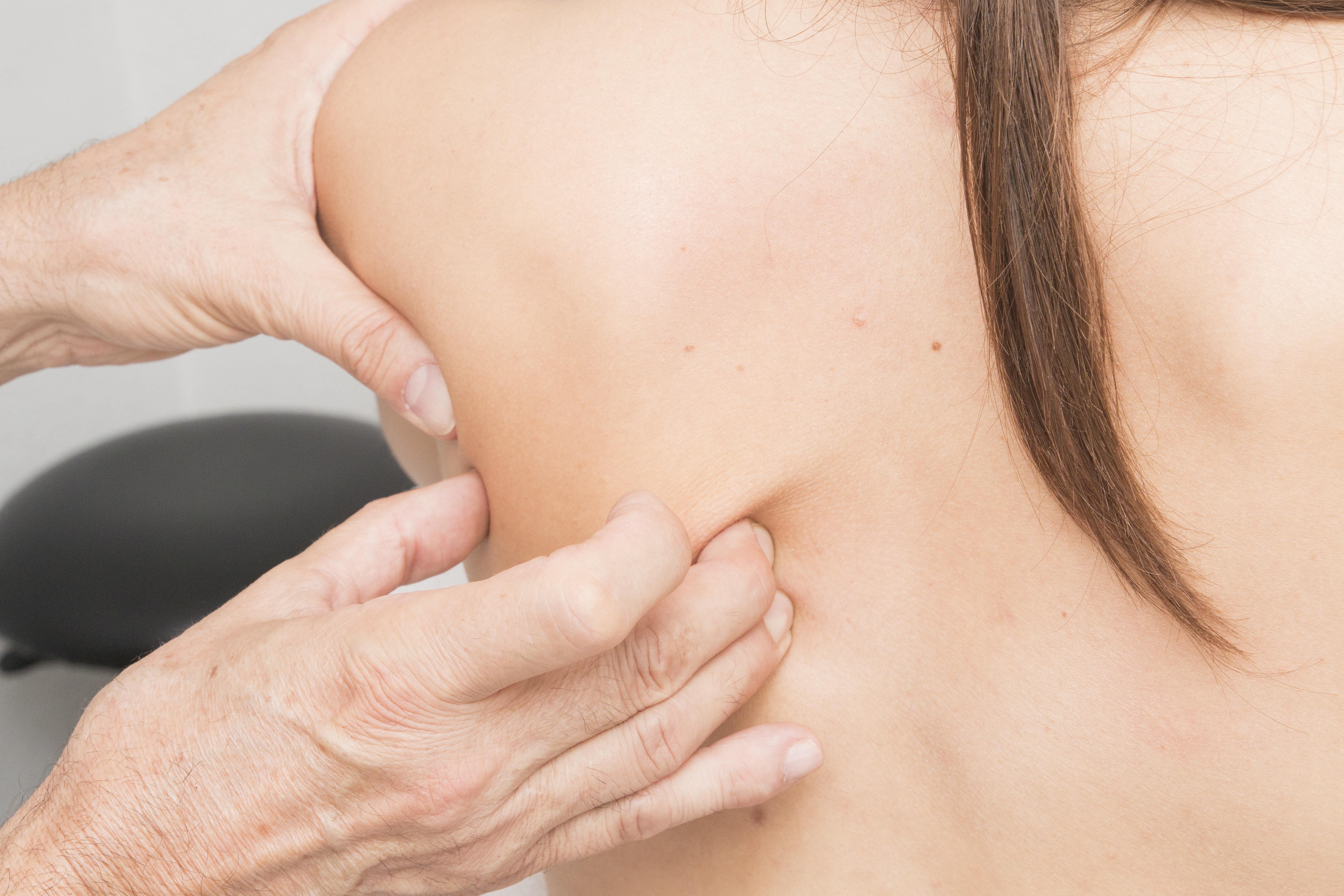 massage-2441746